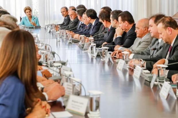Dilma Rousseff propõe pacto federativo a governadores