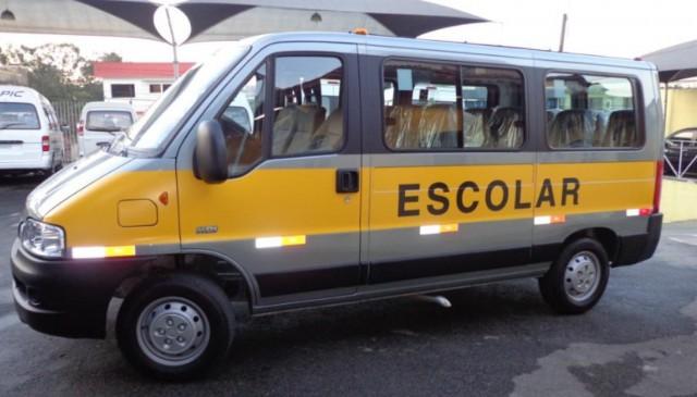 Contran regulamenta exigência de cadeirinhas no transporte escolar