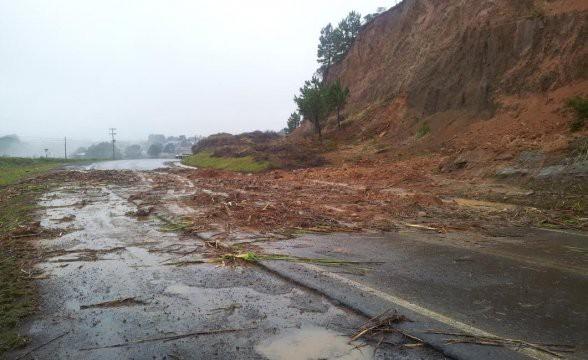 PRF registra queda de barreira no cruzamento da 282 com a 116, em Lages