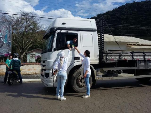 Leoberto Leal arrecada R$ 4 mil com Pedágio em prol da UTI do Hospital Bom Jesus
