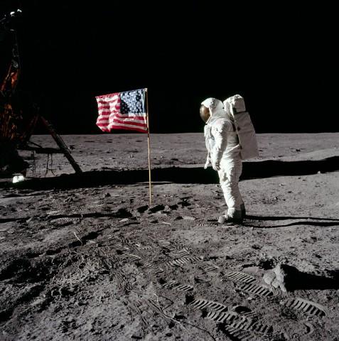Dia 20 de Julho, é lembrada a 1ª viagem a Lua