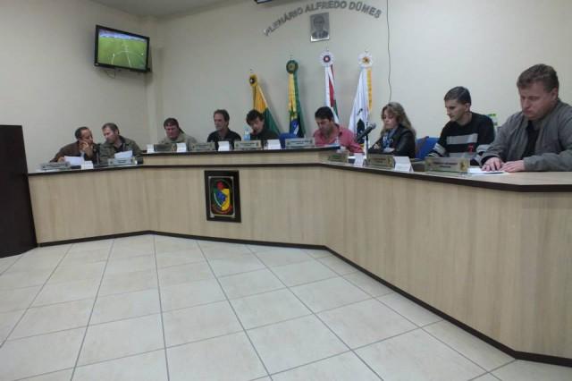 Vereadora de Aurora questiona prioridades da administração do município