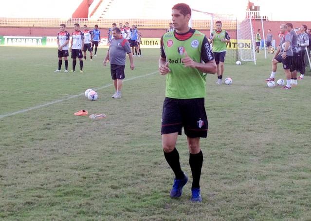 Atlético de Ibirama - Volante Ramon é a novidade no retorno aos treinos