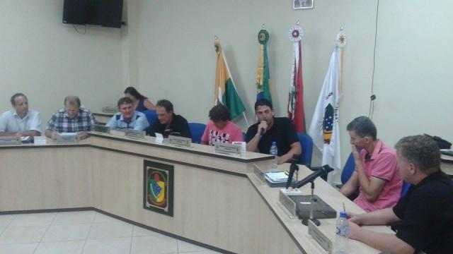 AURORA - Vereador Roberto de Oliveira é eleito novo presidente da Câmara