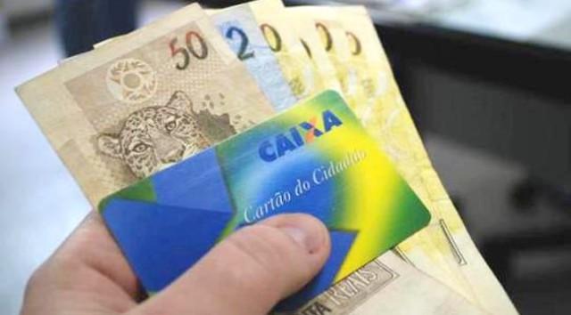 Caixa Federal começa a pagar abono salarial
