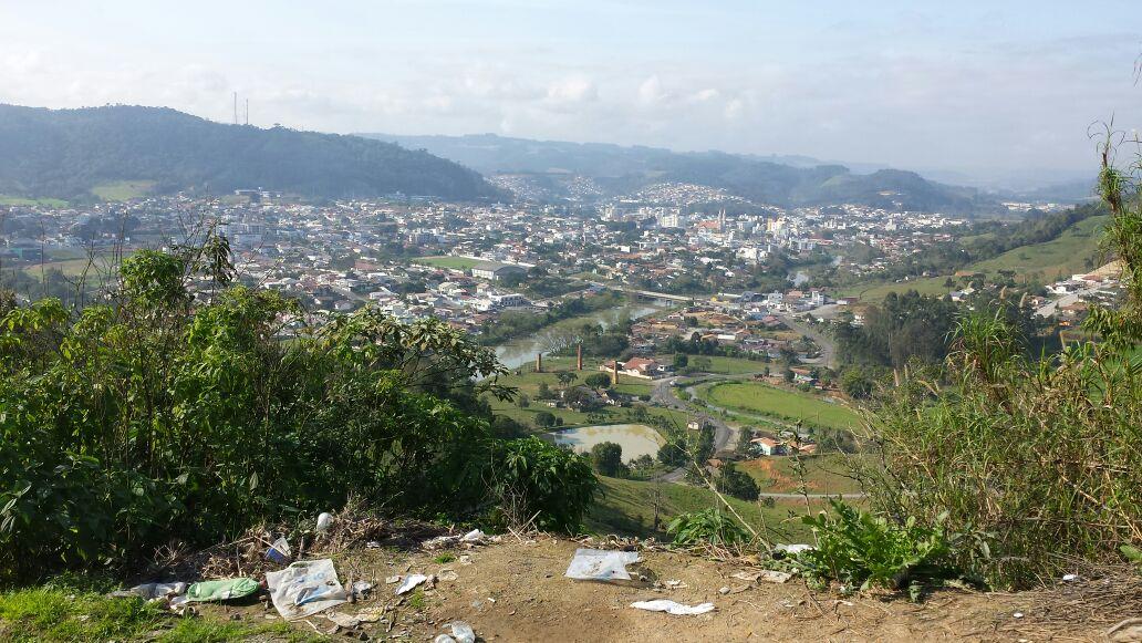 UNIDADE MÓVEL COMUNIDADE: Lixo na Serra de Ribeirão Klauberg em Ituporanga