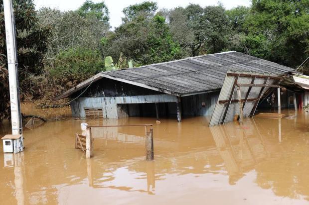 Mais de 50 mil pessoas ainda estão desabrigadas ou desalojadas em SC