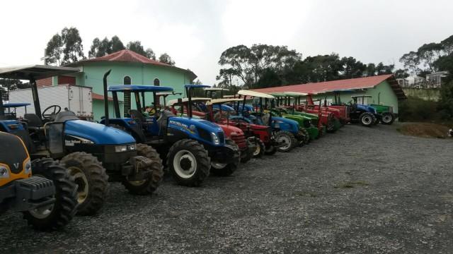 Mais de 200 máquinas agrícolas participam de desfile na Festa do Colono em Chapadão do Lageado