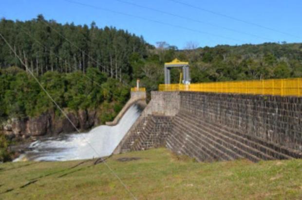 Fatma libera cinco licenças para pequenas usinas hidrelétricas