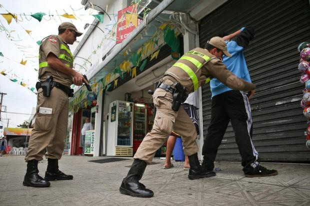 Mudança nas escalas de policiais militares gera aumento de 30% no efetivo nas ruas de Santa Catarina