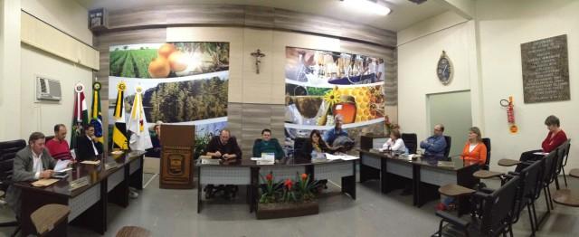 Nesta segunda-feira (07) foi realizada mais uma sessão na Câmara de Vereadores de Petrolândia