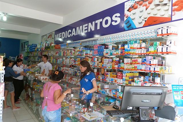 Diário Oficial da União publica lei que obriga presença de farmacêutico nas drogarias