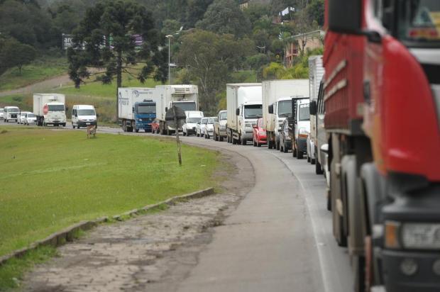 Câmara aprova projeto de lei sobre jornada de caminhoneiros