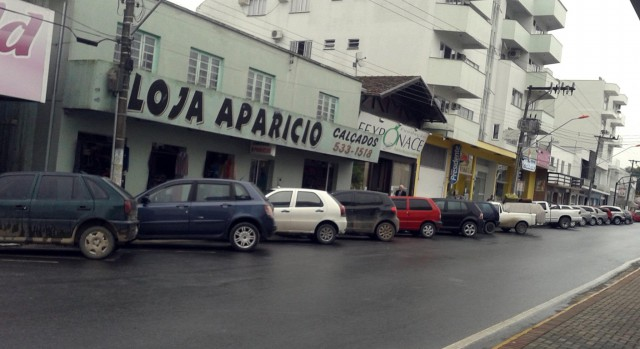 Comerciantes opinam sobre estacionamento no centro de Ituporanga