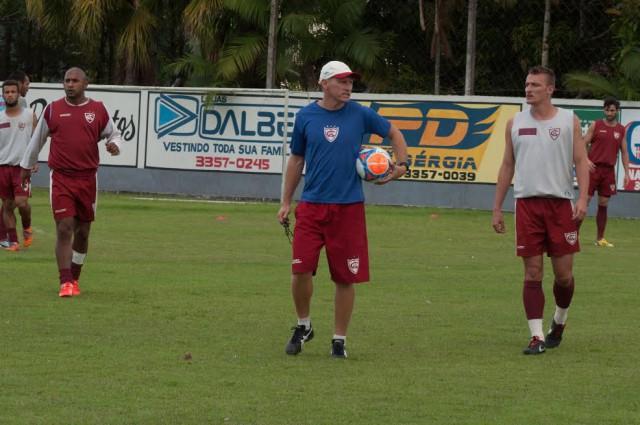Técnico Sílvio Criciúma volta ao Atlético