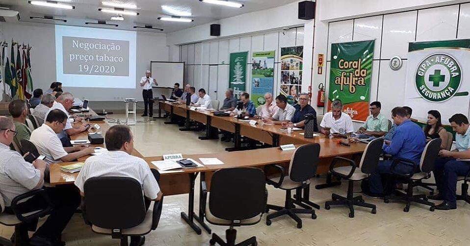 Abertas negociações para reajuste do preço do tabaco para a safra 2019/2020