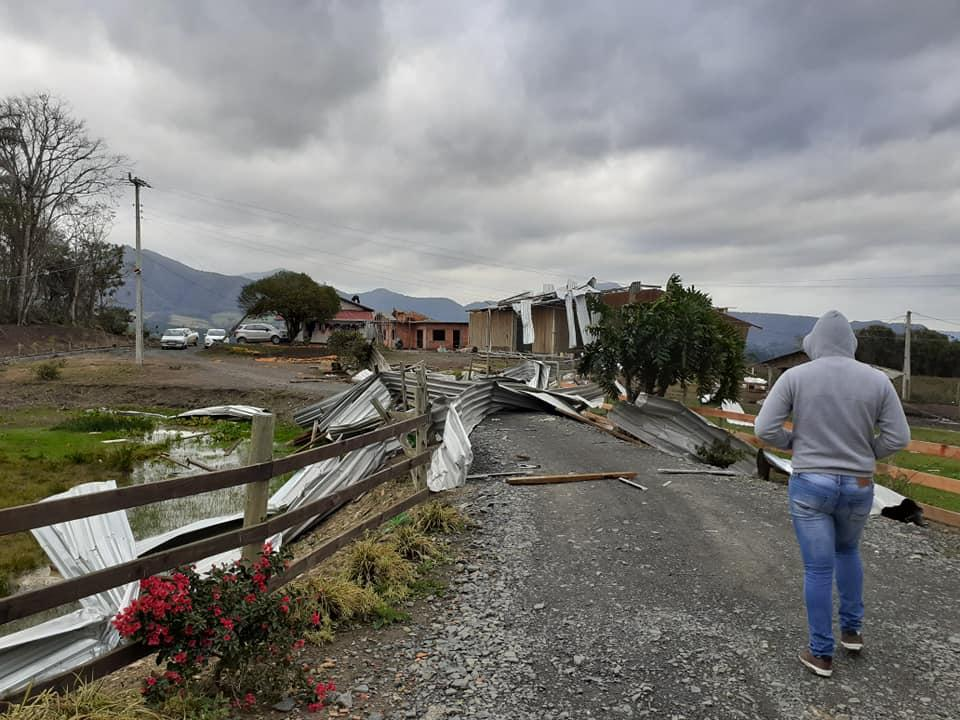 Administração de Aurora priorizou auxílio aos moradores atingidos pelo ciclone no município