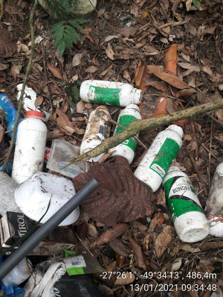 Administração de Ituporanga identifica local de descarte irregular de lixo