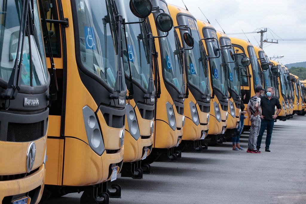 Alfredo Wagner e Imbuia recebem novos ônibus para o transporte escolar