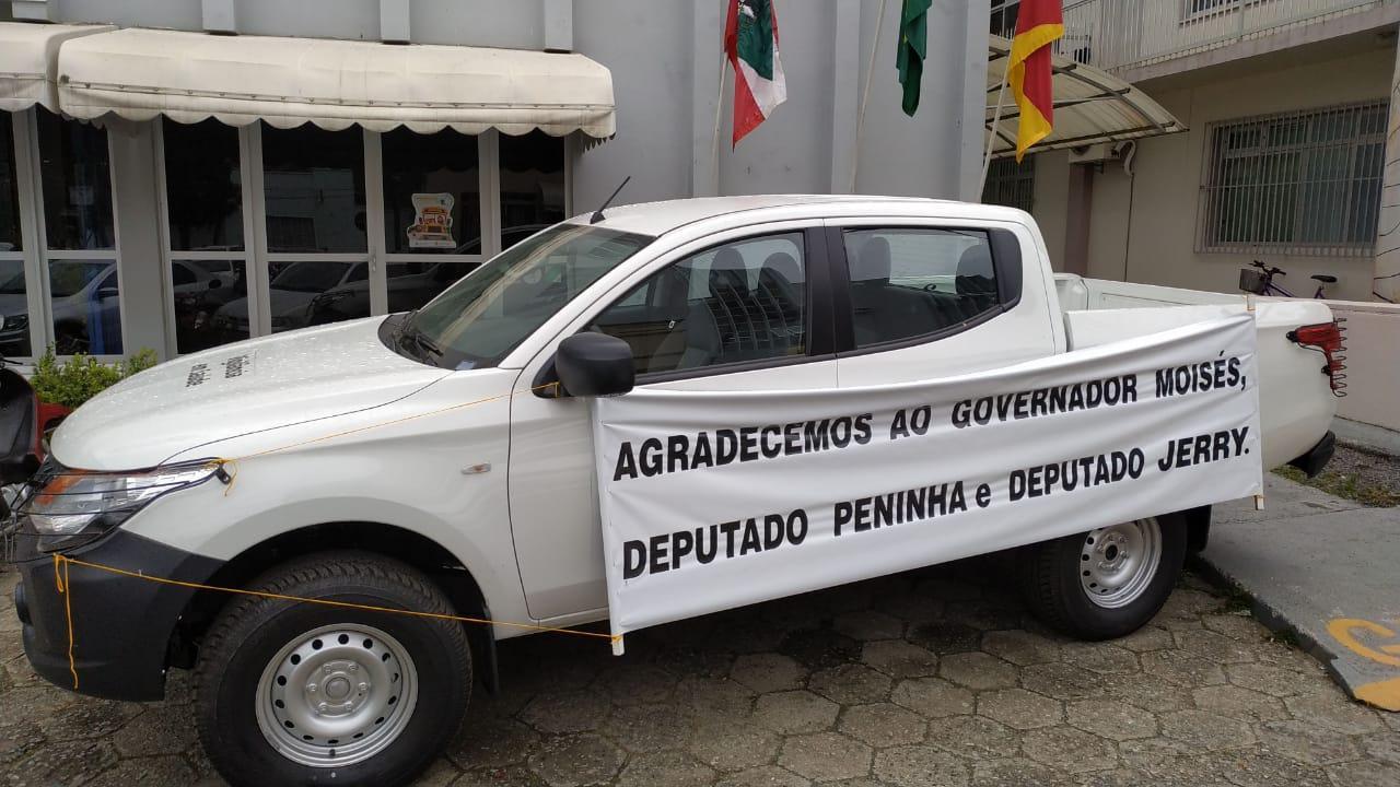 Alfredo Wagner recebe caminhonete para trabalhos na Vigilância Epidemiológica do município