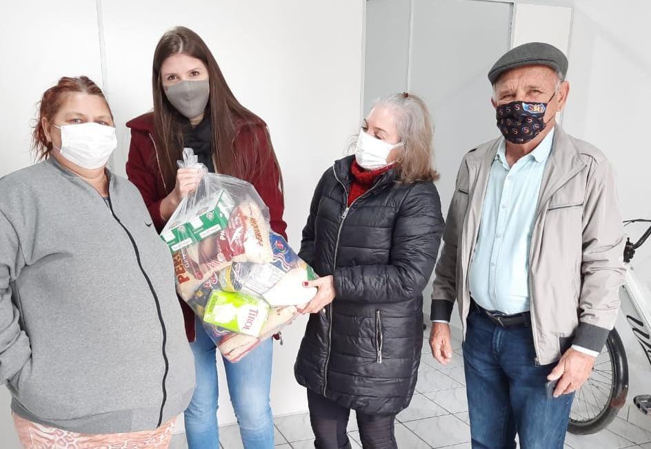 Alimentos arrecadados com a Campanha Vacina Solidária beneficiam 50 famílias carentes de Ituporanga
