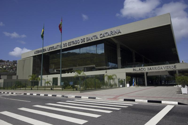 Assembleia Legislativa de SC suspende recesso parlamentar de julho