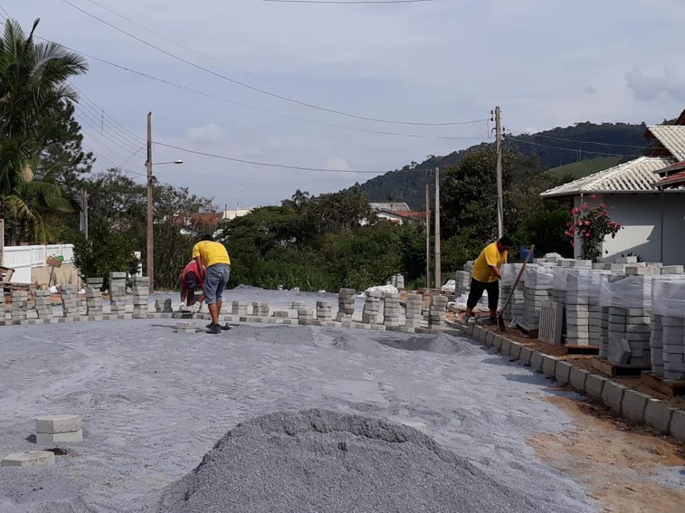 Assinada ordem de serviço para pavimentação de mais uma rua em Ituporanga