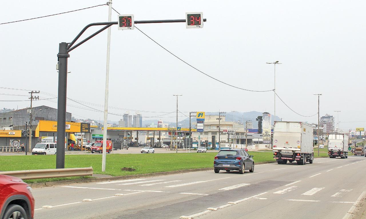 Atenção, motoristas: novos radares entram em funcionamento na BR-470 no Alto Vale