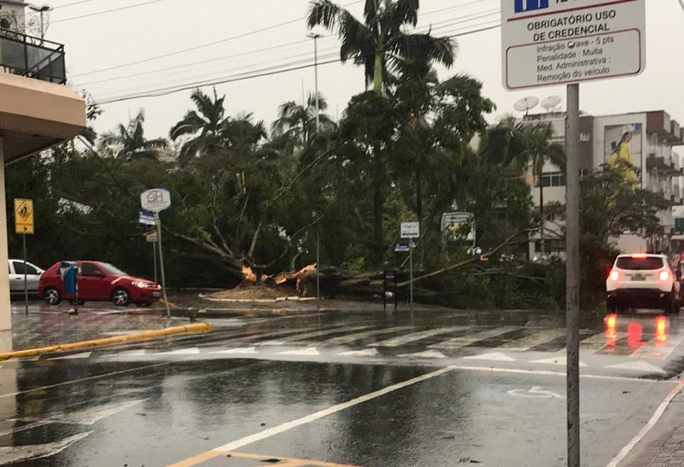 Atingidos pelo ciclone-bomba em Ituporanga poderão sacar o FGTS