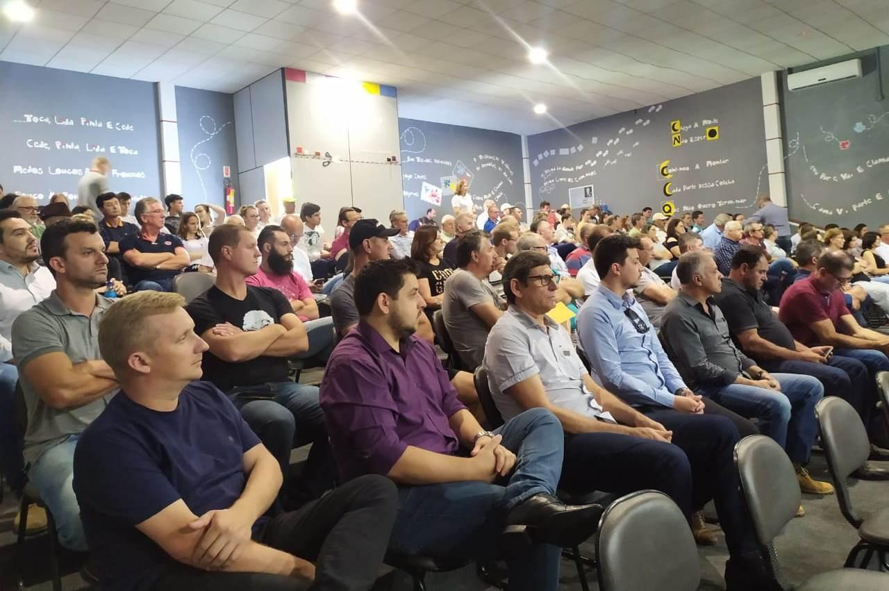 Autoridades e comunidade se mobilizam em prol da pavimentação da rodovia que liga Vidal Ramos a Botuverá