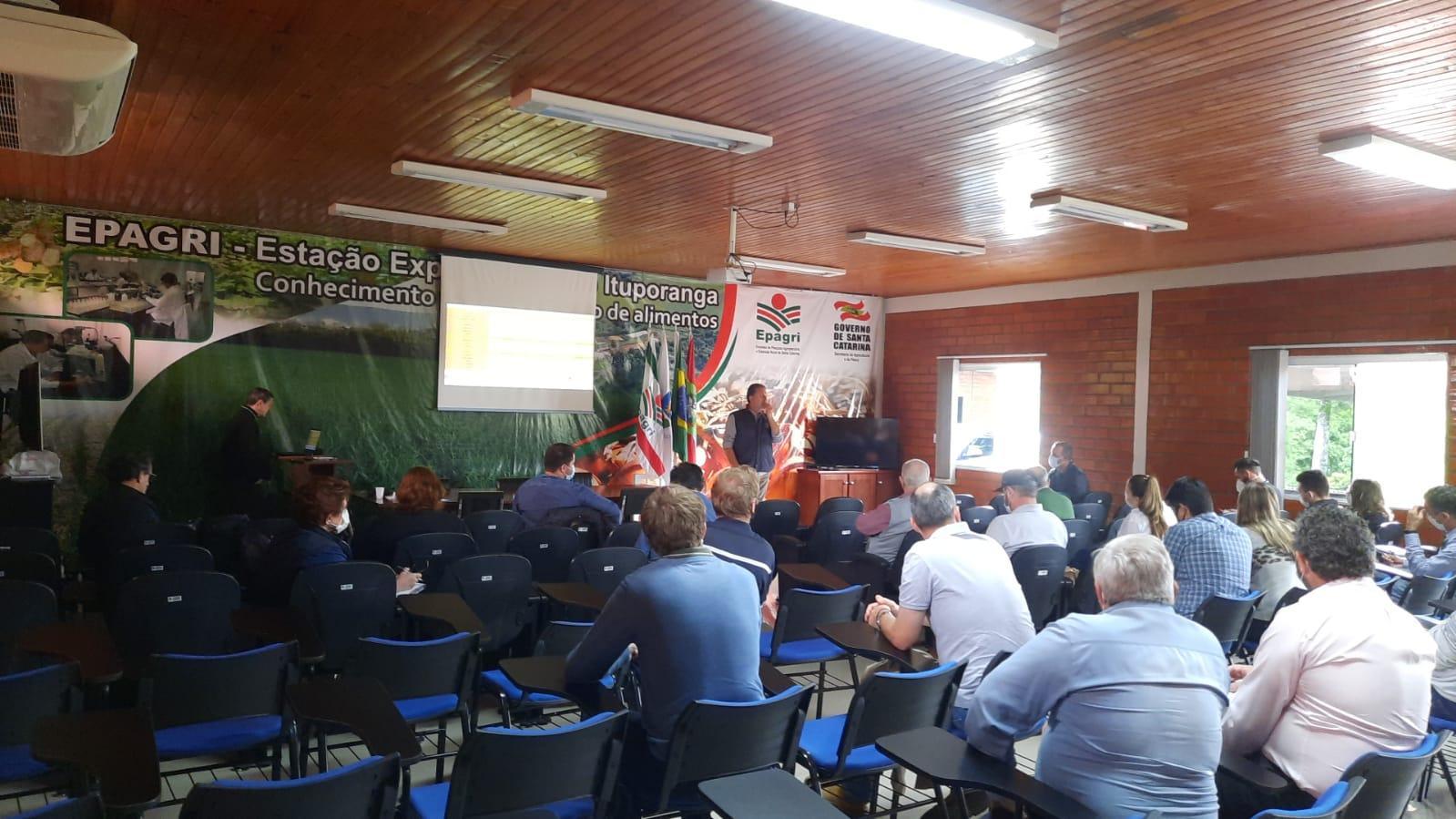 Avaliação da safra 2021/2022 e Festa Nacional da Cebola foram assuntos debatidos em reunião