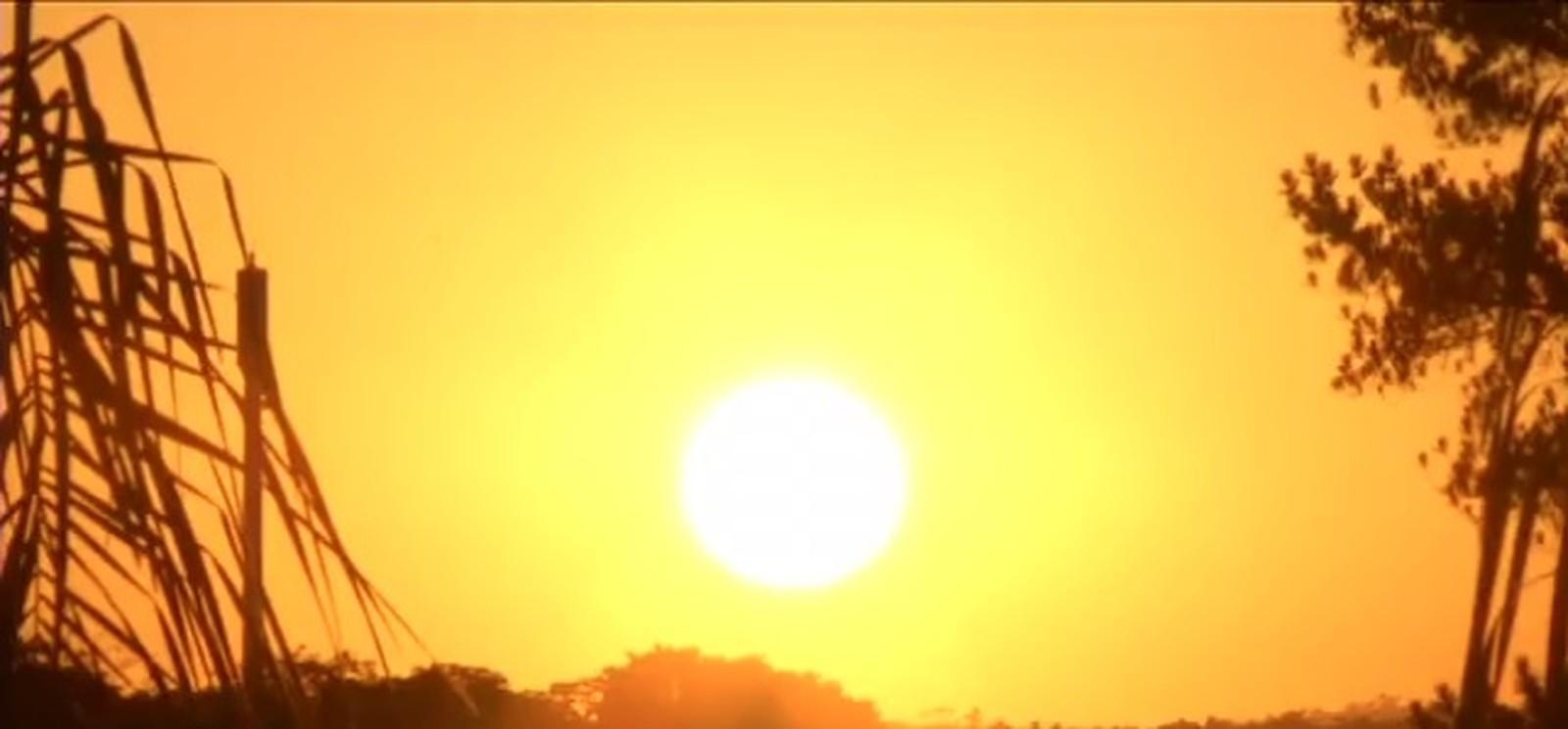 Aviso Especial: Intensa massa de ar quente e seco ganha força em SC