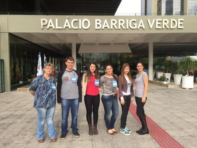 Alunos de Atalanta representam região do Alto Vale do Itajaí no Programa Parlamento Jovem