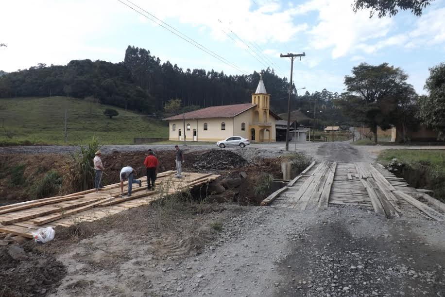 Tráfego na ponte provisória no Molungú em Vidal Ramos será liberada nesta terça-feira