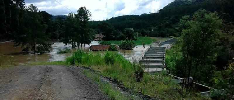 Barragem de usina hidrelétrica se rompe em Taió