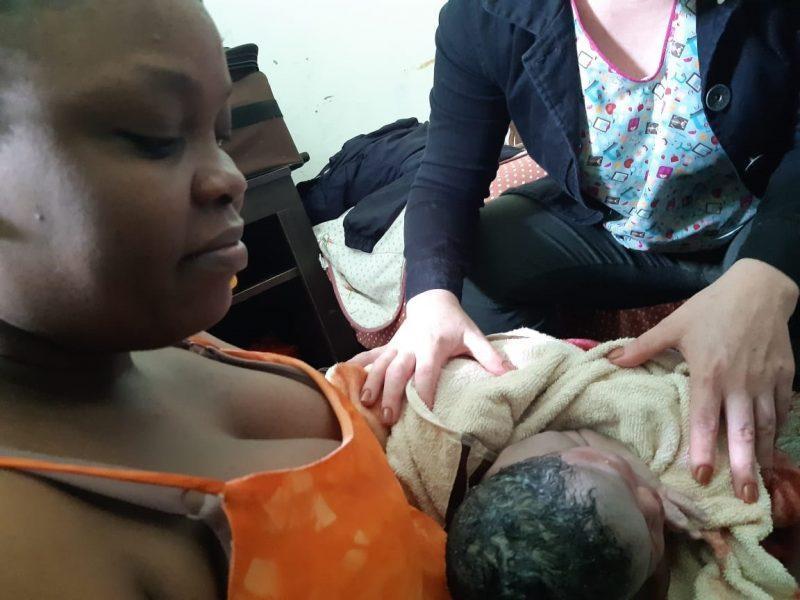 Bebê nasce em casa com ajuda de funcionários de posto de saúde em Rio do Sul