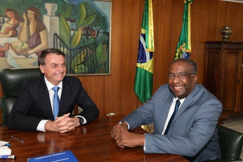 Bolsonaro anuncia Carlos Alberto Decotelli como novo Ministro da Educação