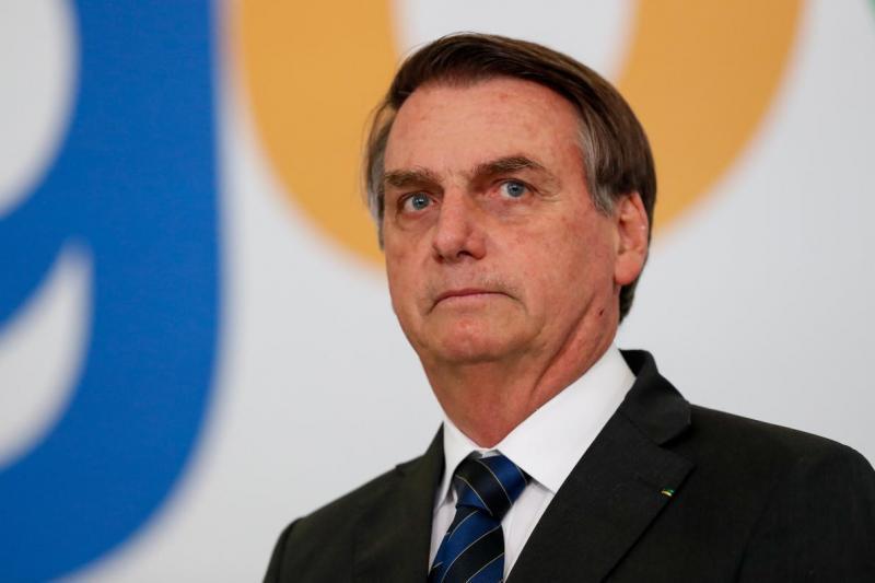 Bolsonaro determina que ministros adotem medidas para combater queimadas