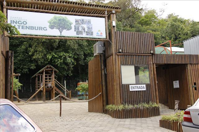 INGO ALTENBURG - Fechado desde abril para a visitação do público, animais são retirados do parque no centro de Ituporanga