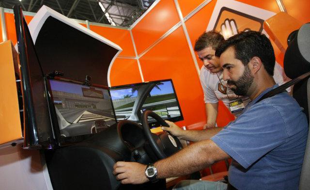 Uso obrigatório de simuladores de direção gera incertezas para proprietários de autoescolas na Região da Cebola