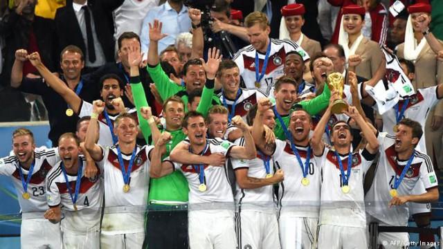 Alemanha assume ponta, e Brasil cai para sétimo no ranking da Fifa