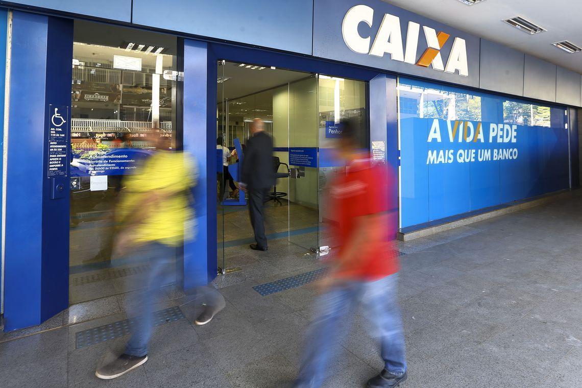 Caixa paga até R$ 500 do FGTS para parte dos correntistas nesta quarta