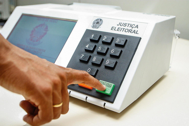 Cartório Eleitoral de Ituporanga organiza urnas  para as eleições de domingo