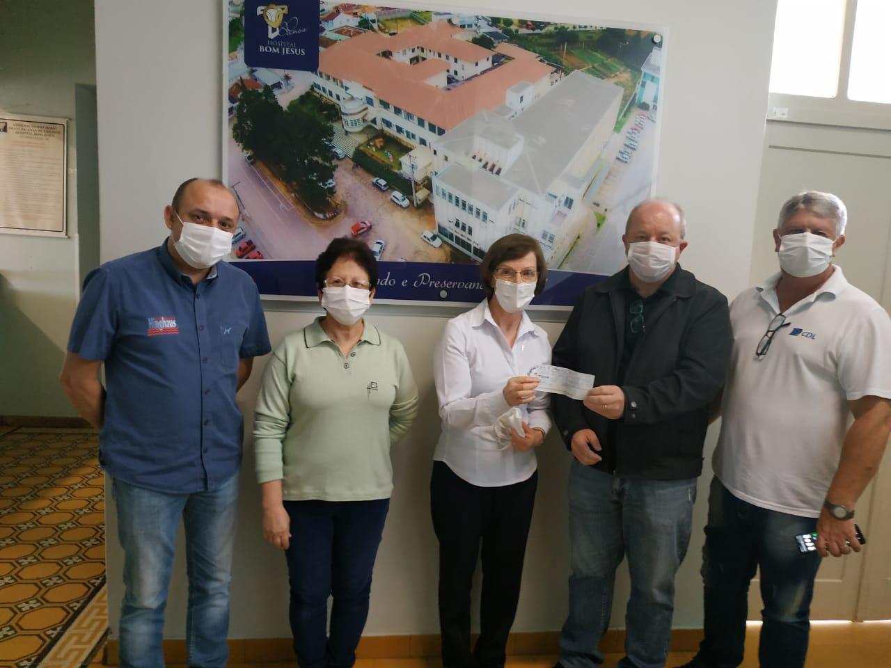 CDL de Ituporanga faz doação de R$ 9 mil para o Hospital Bom Jesus