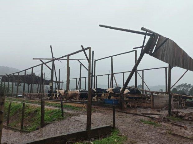 Ciclone em SC: Agricultores e pescadores devem procurar escritórios da Epagri para acessar programa de crédito