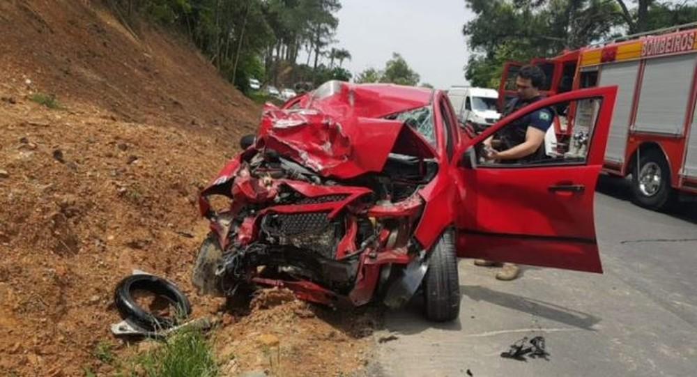 Colisão frontal entre moto e carro deixa dois mortos na BR-470 no Alto Vale do Itajaí