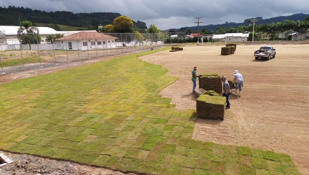 Começa a colocação do gramado no novo Estádio Antonio Vandresen em Ituporanga