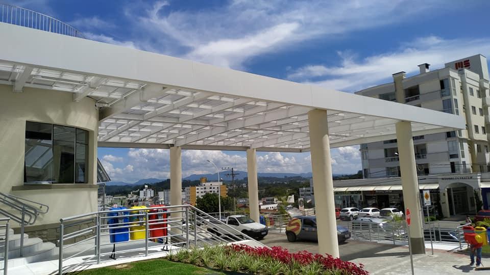 Concluídas obras de revitalização em frente ao Hospital Bom Jesus