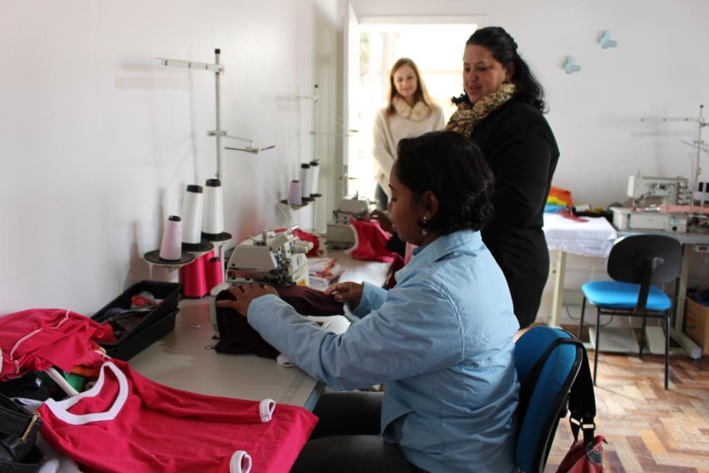 Curso de Corte e costura é ofertado gratuitamente em Ituporanga