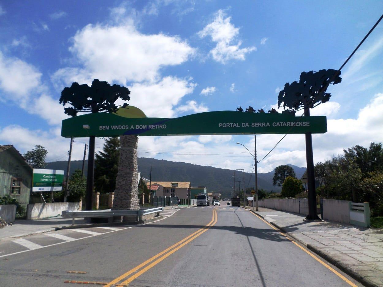 Defesa Civil de Bom Retiro ganha veículo para reforçar sua frota